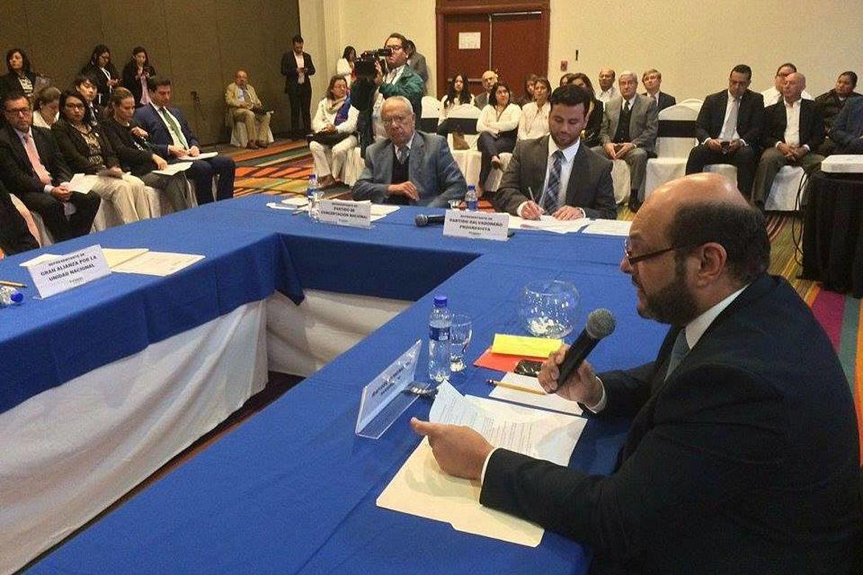 """Mesa de discusión durante el panel """"Plataformas Legislativas 2018-2021"""""""