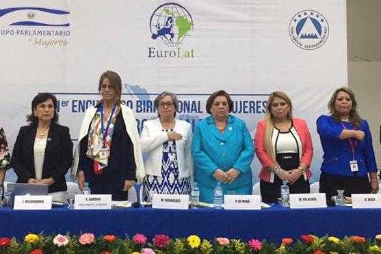 Asistentes al Encuentro Birregional sobre Género e Igualdad