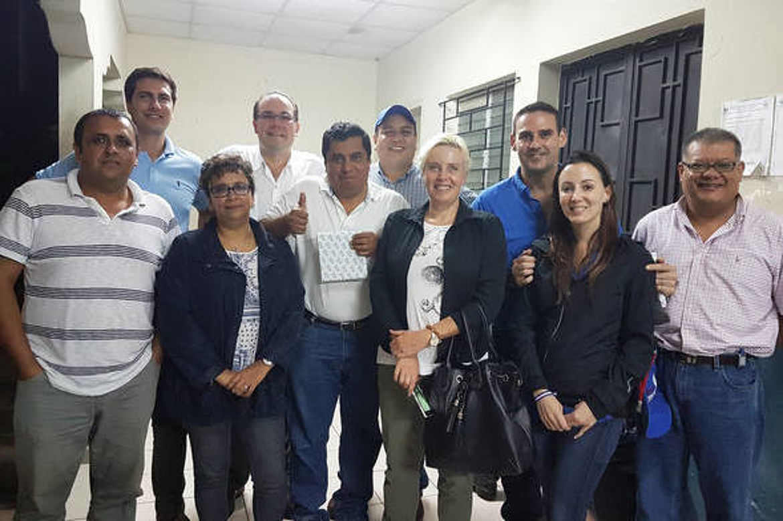 Visita a Santiago Texacuangos