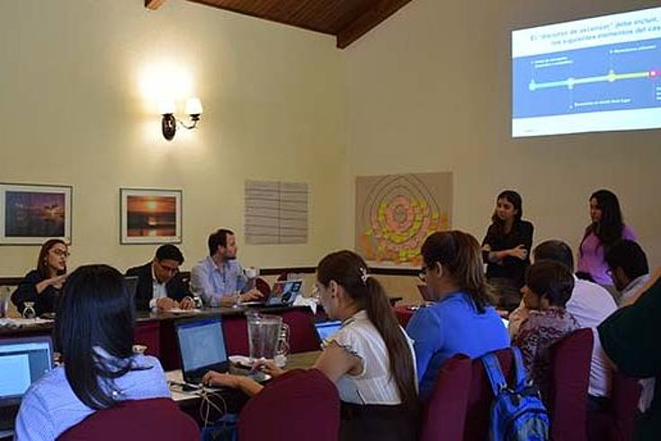 Se desarrollaron mesas de trabajo en las que se discutieron temáticas relacionadas a participación ciudadana en la lucha contra la corrupción.