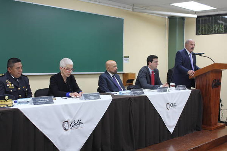 Intervención de Eduardo Suger, Rector de la Universidad Galileo