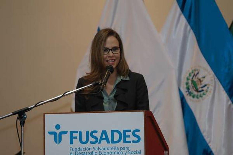 Claudia Umaña Araujo, Fundación Salvadoreña para el Desarrollo Económico y Social