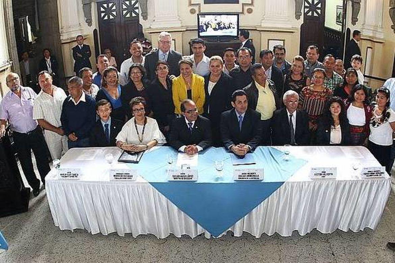 Fotografía oficial, Lanzamiento del Parlamento Juvenil de Guatemala 2017