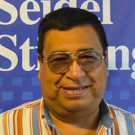 Recepción y Personal de Seguridad: Luis Heras