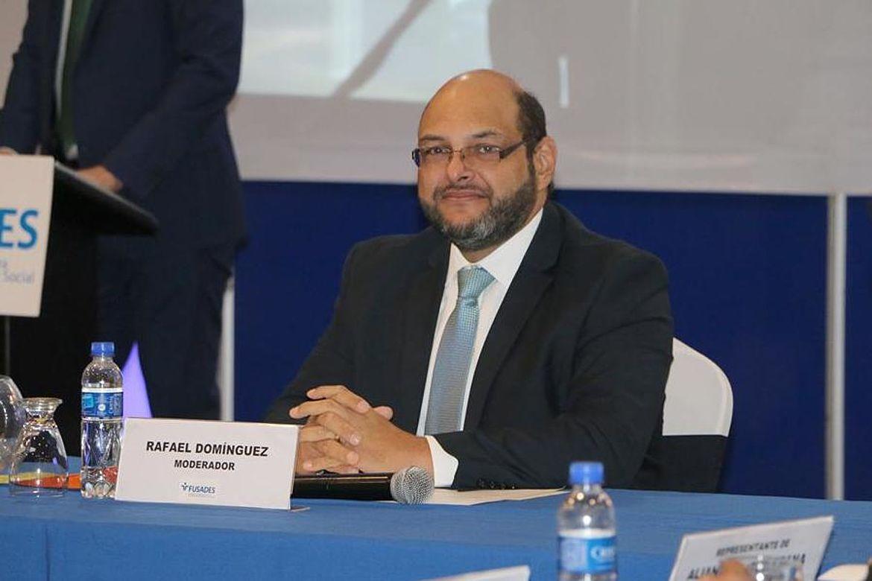 Rafael Domínguez, Moderador del panel