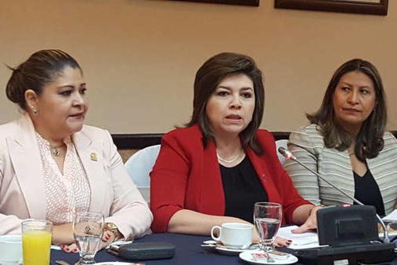 Diputas Integrantes del Grupo Parlamentario de Mujeres de la Asamblea Legislativa de El Salvador