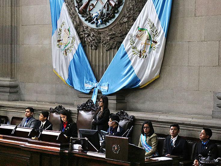 Jóvenes estudiantes del Parlamento Juvenil de Guatemala 2018.