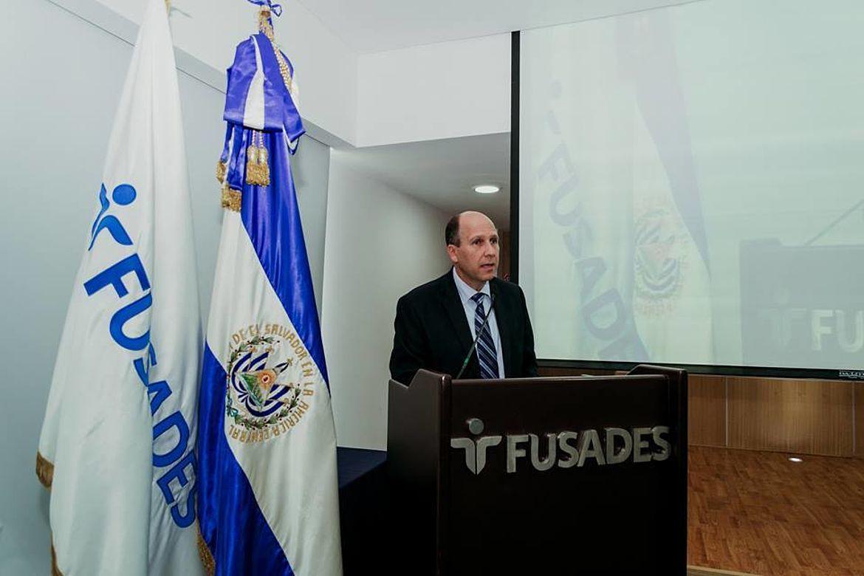 Miguel Angel Simán, Fundación Salvadoreña para el Desarrollo Económico y Social