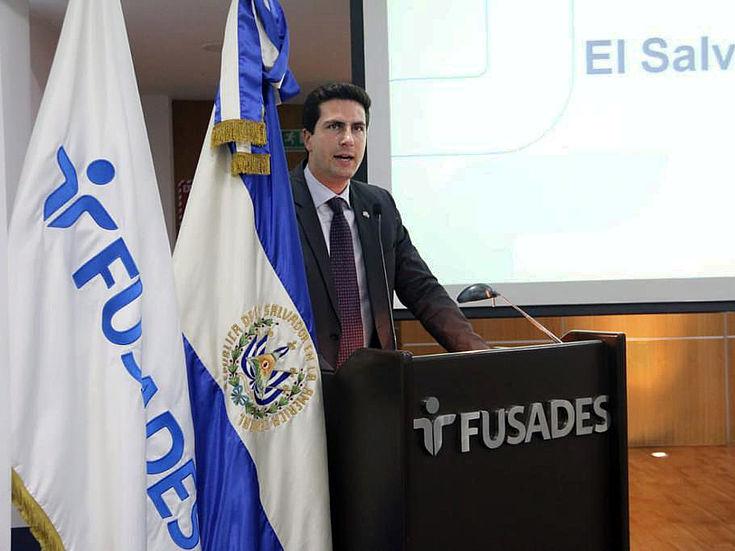 Demian Regehr, Representante de la Fundación Hanns Seidel en Centroamérica y El Caribe dando palabras de inicio.