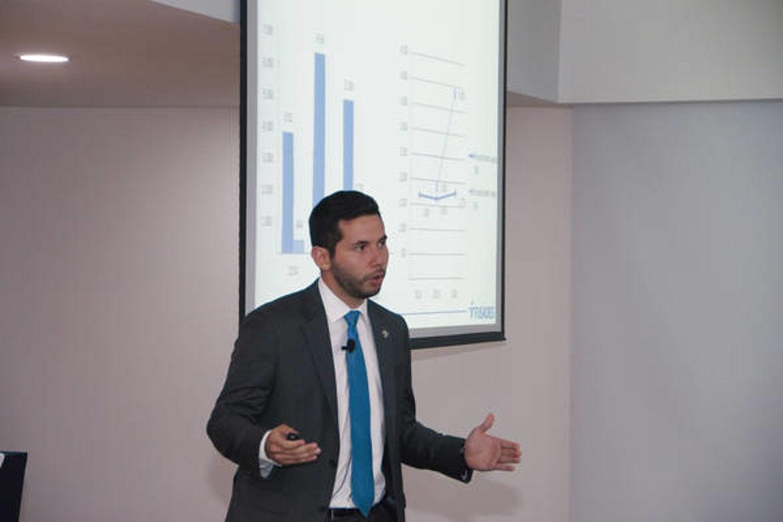 Presentación de Guillermo Miranda, Departamento de Estudios Políticos de FUSADES