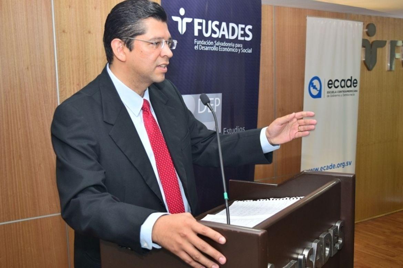 Luis Mario Rodriguez, Director general de ECADE