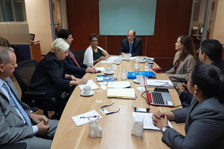 Visita a Fundación Salvadoreña para el Desarrollo Económico y Social