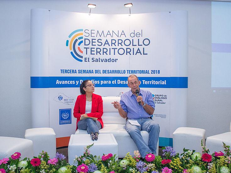 Andrés McKinley, Especialista en Agua y Minería de la Universidad Centroamericana José Simeón Cañas (UCA), en el cuarto día de la Semana del Desarrollo Territorial 2018.