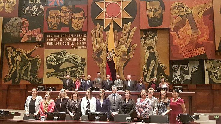 Los participantes en la Asamblea Nacional de Ecuador