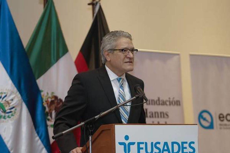 Francisco Javier Olavarría Patiño, Embajador de México en El Salvador